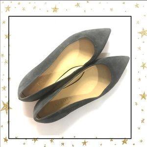 Talbots Sz7 Grey Pointed toe Faux suede flats (C1)